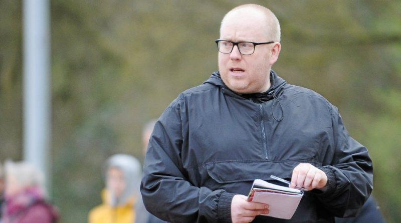 Bezirksliga: SV Budbergs Trainer Tim Wilke macht sich Druck