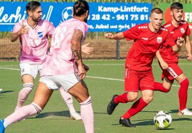 Fichte Lintfort gegen den SV Scherpenberg, das gab es in dieser Saison nur beim P&P-Cup im August 2020 – hier Fichtes Offensivspieler Tim Konrad am Ball.
