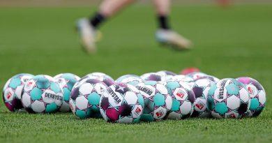 Bei den Fußballern soll demnächst wieder Bewegung ins Geschehen kommen – wenn die Corona-Inzidenz unter den Wert von 50 fällt. Foto: Dennis Ewert / RHR-FOTO