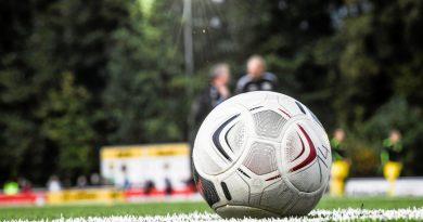 Es geht wieder los: Kontakssport ist wieder möglich – und damit auch Fußballspielen... Foto: Markus Weissenfels / FUNKE Foto Services