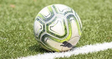 Schon bald werden Fußbälle im Fußballkreis Moers auch wieder in Pflichtspielen zum Einsatz kommen. Foto: Hendrik Steimann / Hendrik Steimann/WAZ