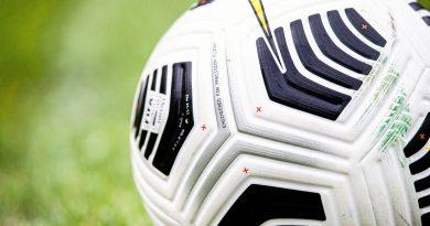 Der Ball rollt im Amateurfußball wieder – aber weiterhin unter Pandemie-Bedingungen. Foto: Max Ellerbrake / firo Sportphoto
